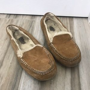 Ugg Moccasins Tan Size 7 Slippers